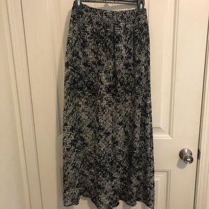 Dresses & Skirts - Long printed skirt, with mini skirt slip